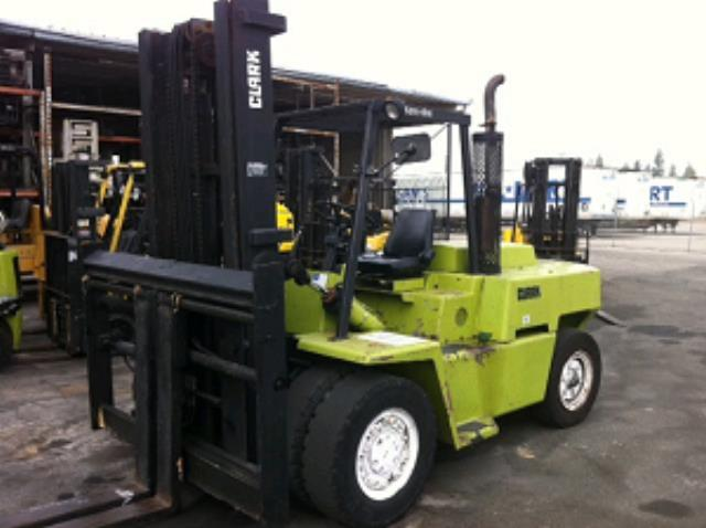 Where to find 15,000 LB Pneumatic Tire Forklift in Los Angeles