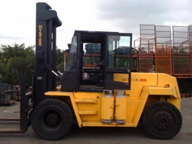 Where to find 28,000 LB Pneumatic Tire Forklift in Los Angeles