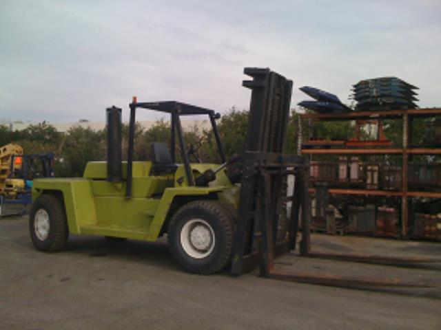 Where to find 30,000 LB Pneumatic Tire Forklift in Los Angeles